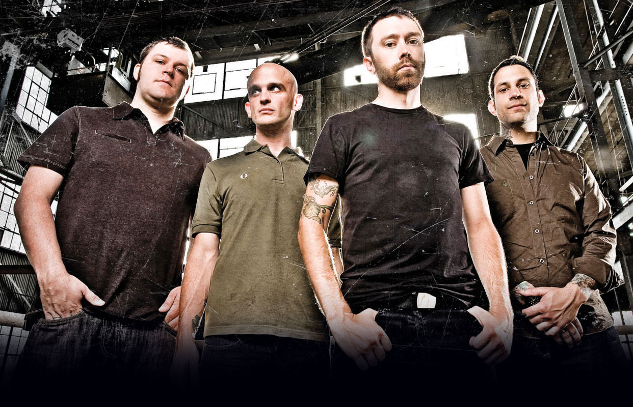 rise against the band Rise against's musical style has been described as melodic hardcore, punk rock, and hardcore punk the band has cited numerous punk and hardcore bands as influences to its music.