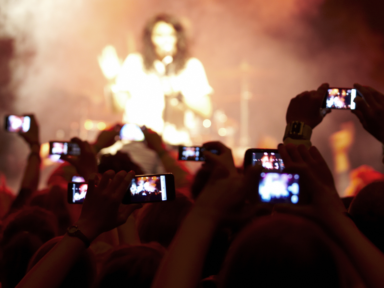 Cellphones at concerts