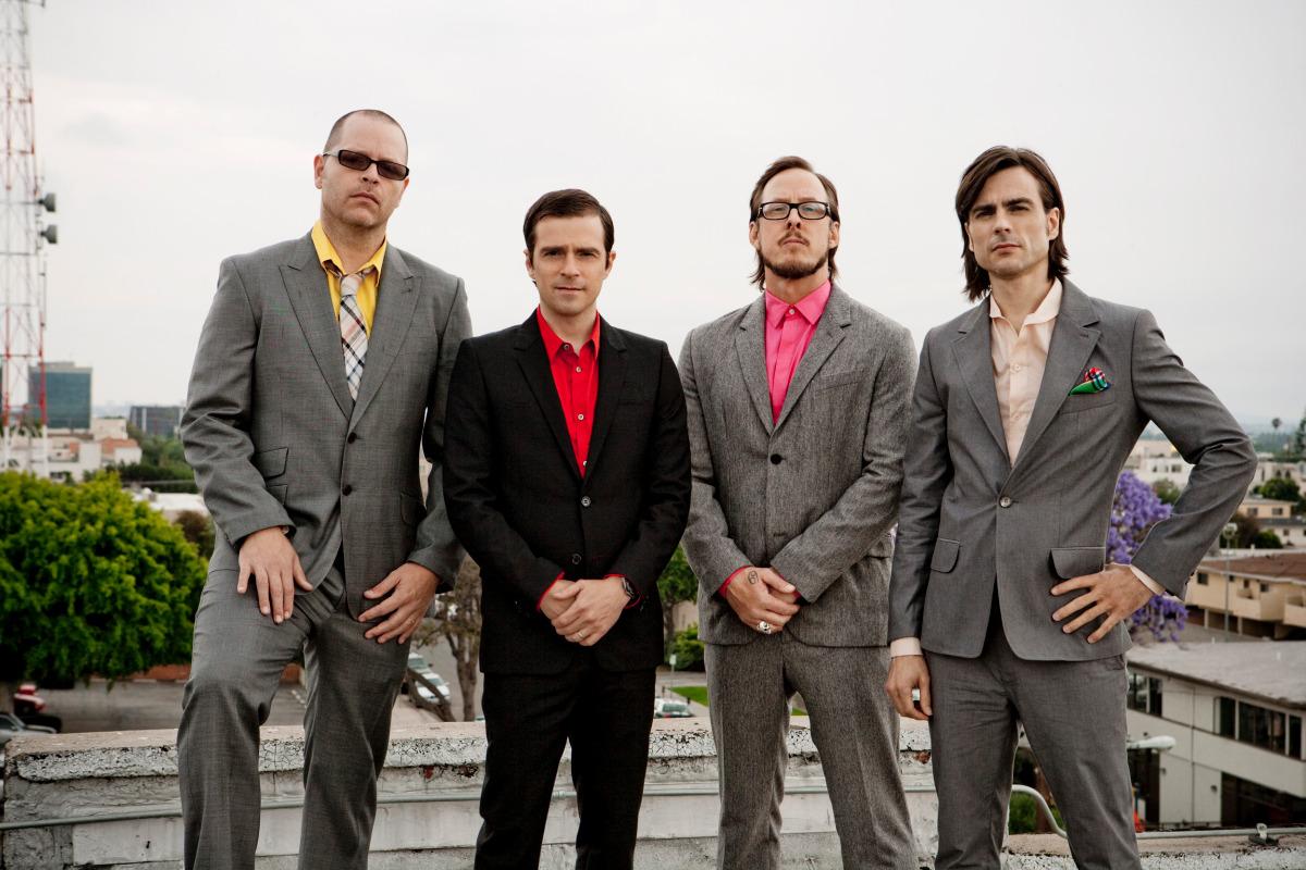 I Weezer pubblicano un singolo dedicato ai Beach Boys [Listen]